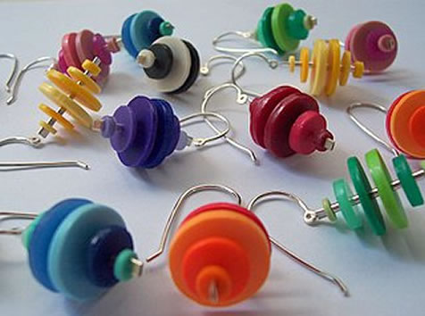 Liana Kabel - Earrings made from tupperware