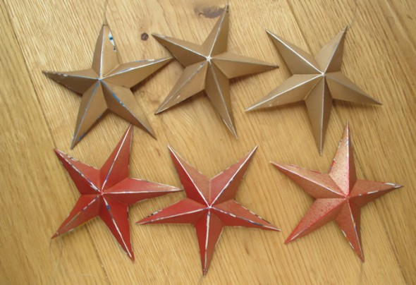 Festive Stars made from Recycled Drinks Cans
