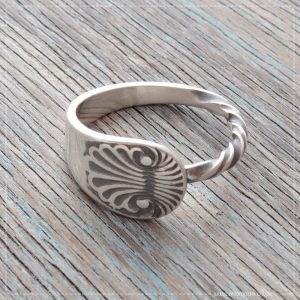 Milomade Antique Silverware Spoon Ring - Anthemion Twisted