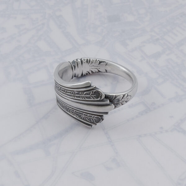 Milomade Antique Silverware Spoon Ring - Made by Evie Milo #TheSpoonLady - Péagóg - Sheffield 1909