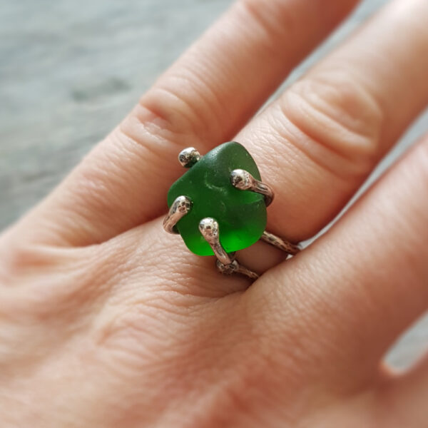 Sea Glass Twist Ring 03 made with green sea glass sourced from the east coast of Scotland #MakerSupportPledge